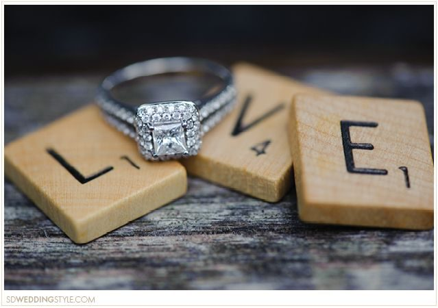 The Best Times to Take Your Engagement Announcement Pictures