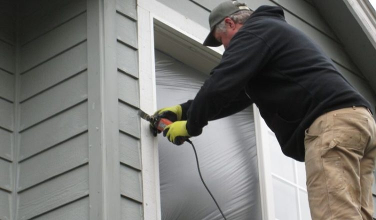Mistakes to Avoid When Dealing with Window Caulking