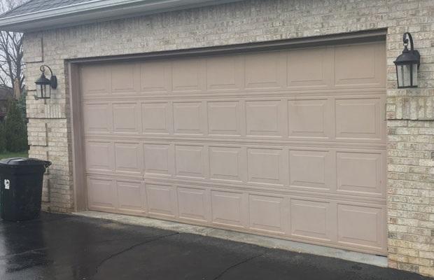 Repair A Garage Door By Hiring The Professionals