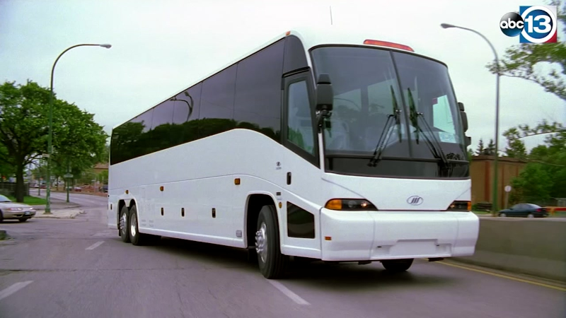 Field Trip Season Is Coming Up, We Tell You 3 Safety Features When Renting A Charter Bus