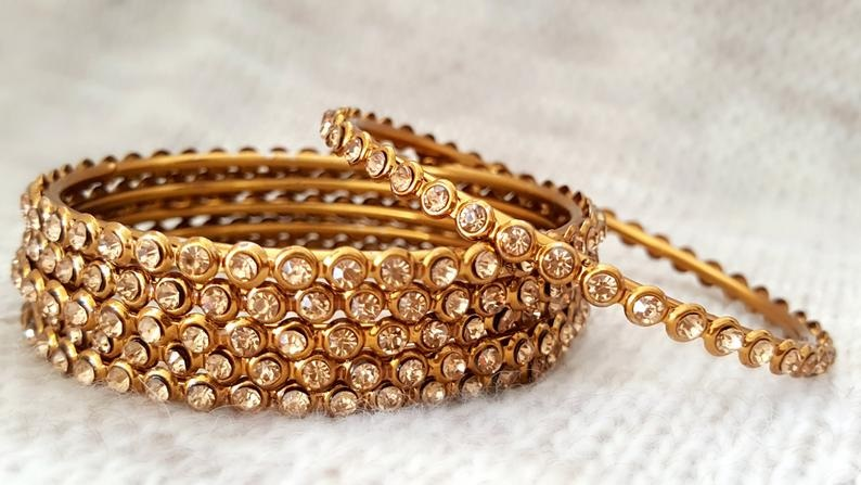 Things to Look for in Bangles before Buying Them