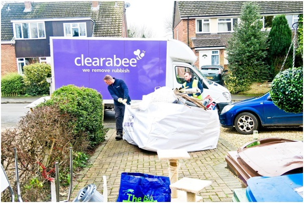 Benefits of Hiring Clearabee Skip Hire Service