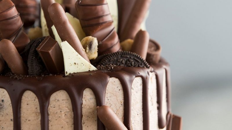 Famous Chocolate Cakes That You Can Send To Your Loved Ones